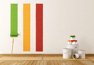 Paleta de colores en pared de casa